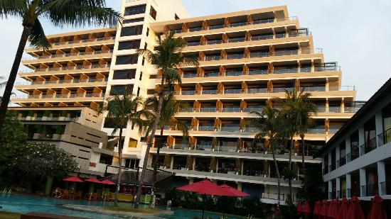 Patong Beach Hotel : 20160103_180035_large.jpg