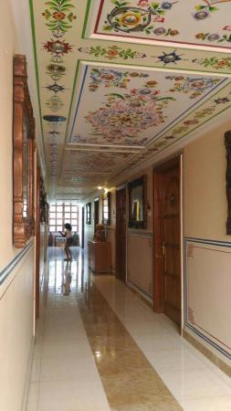 Sunder Palace Guest House: P_20151229_085753_large.jpg