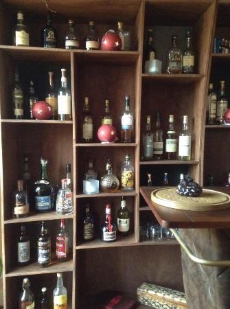 CAVE HENRI IV : un choix de Rhum et whisky de la cave