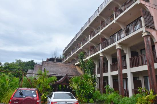 The Elephant Crossing Hotel: bâtiment principal