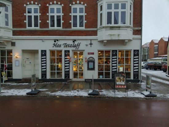 Loegstoer, Dinamarca: Kom ind i varmen og spis en burger ved Tetzlaff...