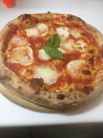 Mandolino Pizzeria