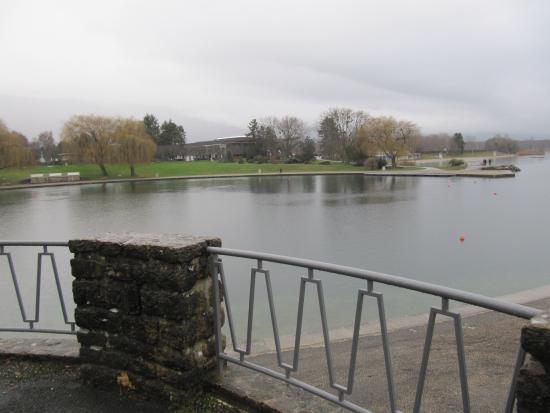 Tour du lac bild fr n ville de divonne les bains for Piscine de divonne