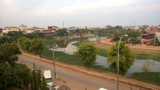 Siem Reap Riverside: Udsigt fra tagterrassen over floden