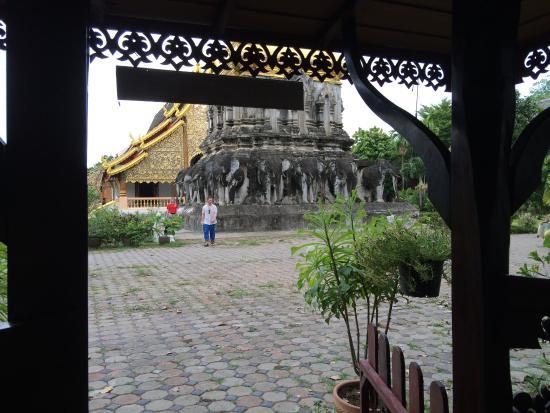 Wat Chiang Man: 東屋?から見た景色