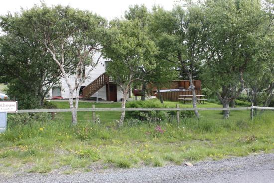Guesthouse Saga: Guesthause mit Garten