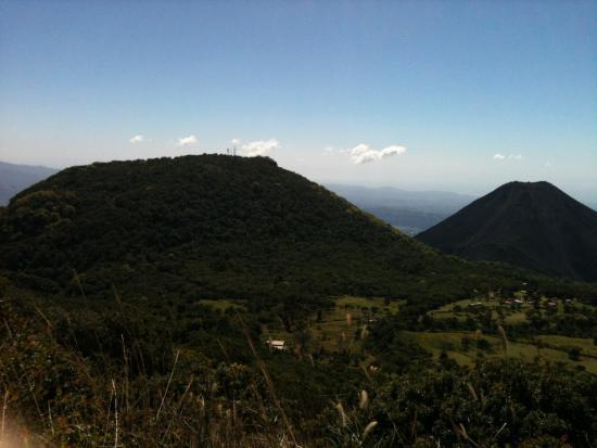 Santa Ana Volcano: Cerro Verde y volcán de Izalco