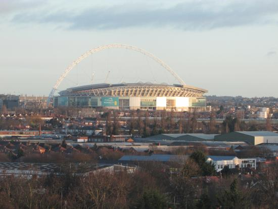 Premier Inn London Hanger Lane Hotel: Lo stadio di Wembley dalla camera