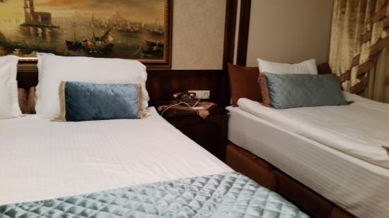 Best Point Hotel : Beds
