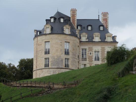 Castle of Apremont