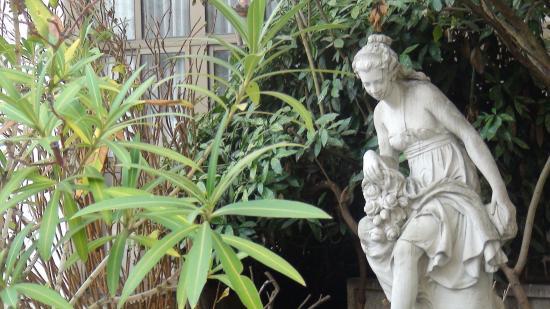 Le jardin picture of mercure paris gobelins place d - Jardin d italie chateauroux ...