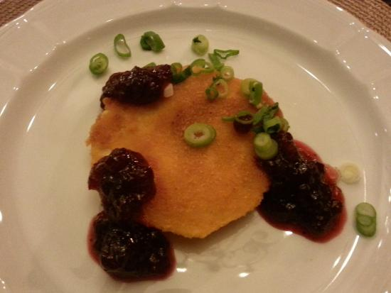 Ediger-Eller, Tyskland: Sellerieschnitzel mit Preiselbeeren