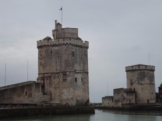 picture of towers of la rochelle la rochelle. Black Bedroom Furniture Sets. Home Design Ideas