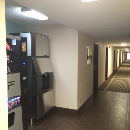 Charleston, IL: Hallway