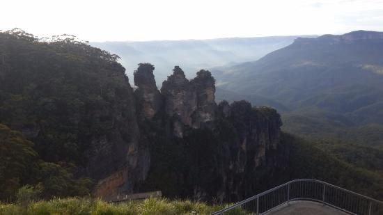Echo Point Village : 100m to Three Sisters