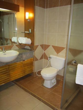 Citin Garden Resort: Ванная
