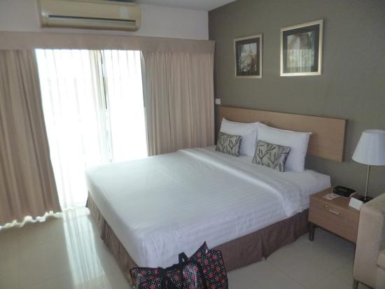 Viva Garden Serviced Residence: bed