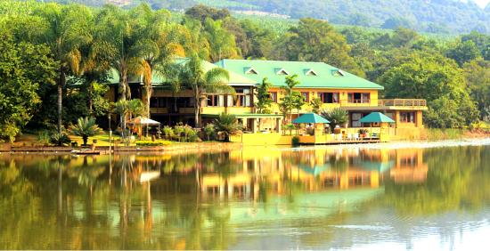 Bambuu Lakeside Lodge