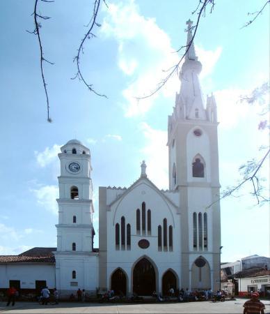 Tulua, Colombia: Собор святого Варфоломея