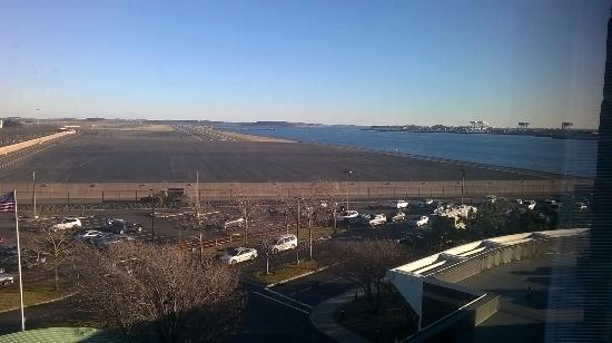 Hyatt Regency Boston Harbor: View from the 5th floor room