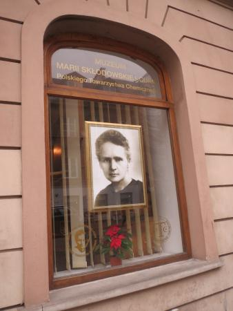 the life and work of madame marie curie a polish physicist Marie curie's early life and education maria salomea sklodowska was born in warsaw, poland on november 7, 1867 at that time, warsaw lay within the borders of the russian empire.