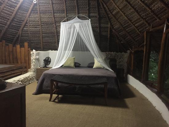 Tikehau Ninamu Resort: upstairs room