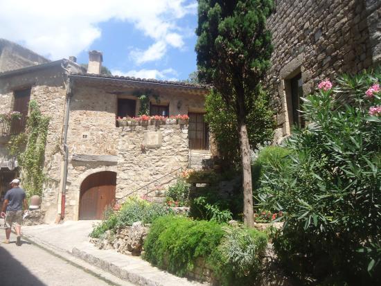 Le village de saint guilhem le d sert bild fr n office - Office de tourisme st guilhem le desert ...