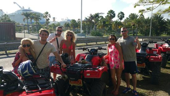 Oyster Pond, St Marteen/St. Martin: Holiday with Friends