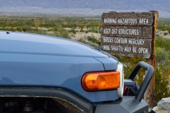 อัลไพน์, เท็กซัส: Watch out for hazards!  from Mariscal Mine, Big Bend National Park, November 2015
