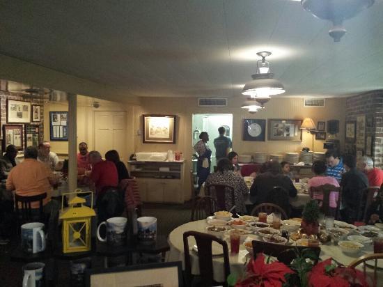 mrs wilkes picture of mrs wilkes dining room savannah