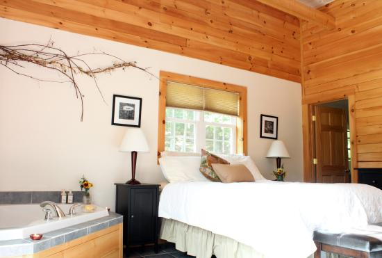 Lackawaxen, PA: Find your retreat at Two Bridges