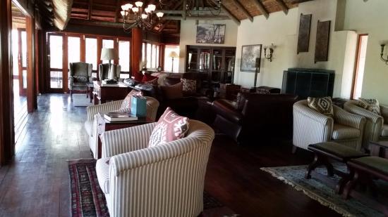 Imbali Safari Lodge: Sala comune