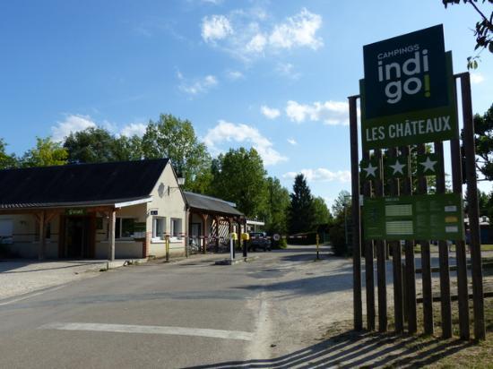 Bracieux, Frankrijk: Front gate