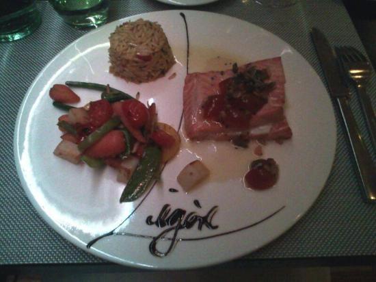 Munsbach, Lüksemburg: Secondo di pesce-salmone-