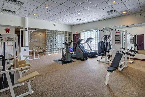 Sea to Sky Hotel and Conference Centre: The exercise Room