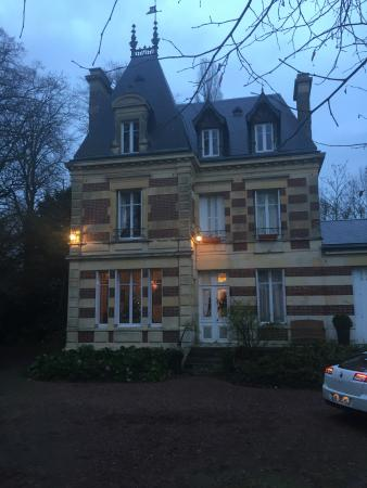 Chateau de Launay: на рассвете