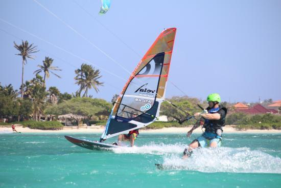 Malmok Beach, Aruba: Learning to ride one hand