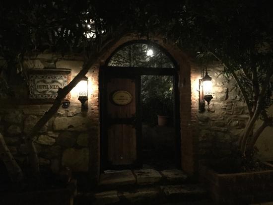 Hotel Nilya: Entrance