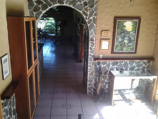 Tambor, Costa Rica: Hallway