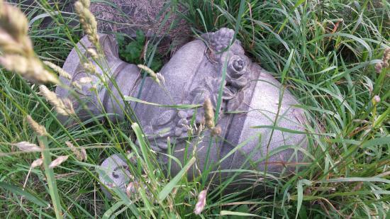 Oakwood Cemetery: Oakwood; fallen marker