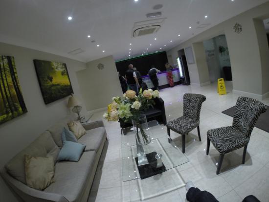Bayswater Inn: reception