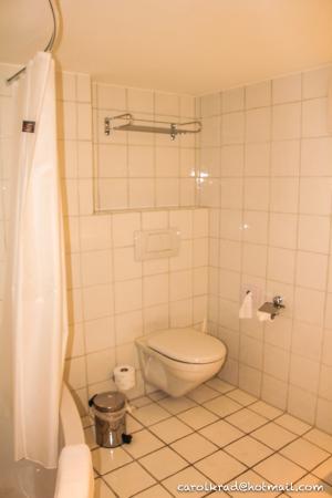 Sachseln, Suiza: WC - Baño Habitación