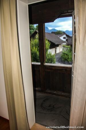 Sachseln, Suiza: Terraza de madera - Habitación