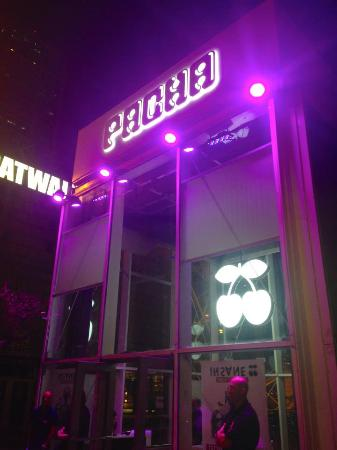 Outside of the club picture of pacha barcelona - Strip club barcelona ...