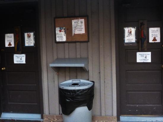 Linville Falls, NC: bath house