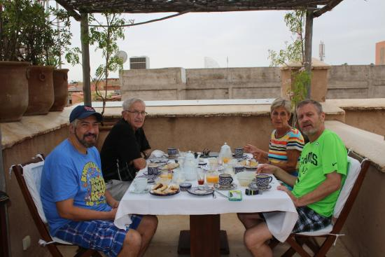 Riad Dixneuf La Ksour: Wonderful breakfast on the terrace