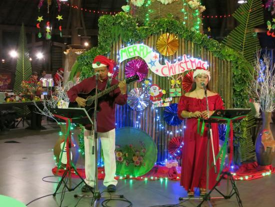 Panviman Resort - Koh Pha Ngan: Jobert & Arzenith - das wundervolle Gesangsduo hat auch diesen Abend moderiert