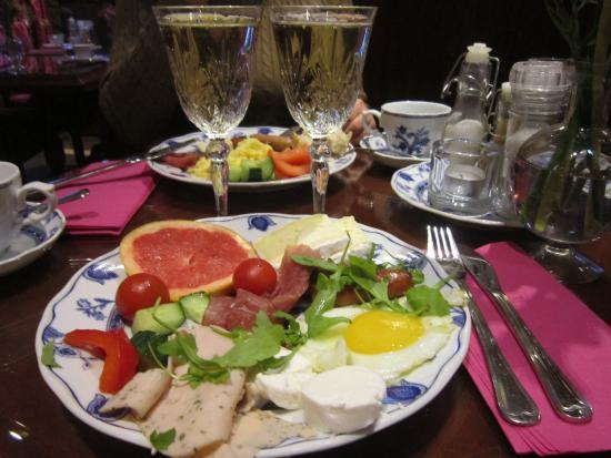 Hotel Estherea: такой шикарный  завтрак