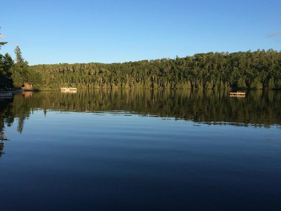 Bearskin Lodge: great lake views