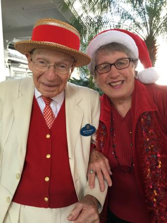 Grand Floridian Cafe: Make sure to get a greeting from Richard out front of the Grand Floridian!!!